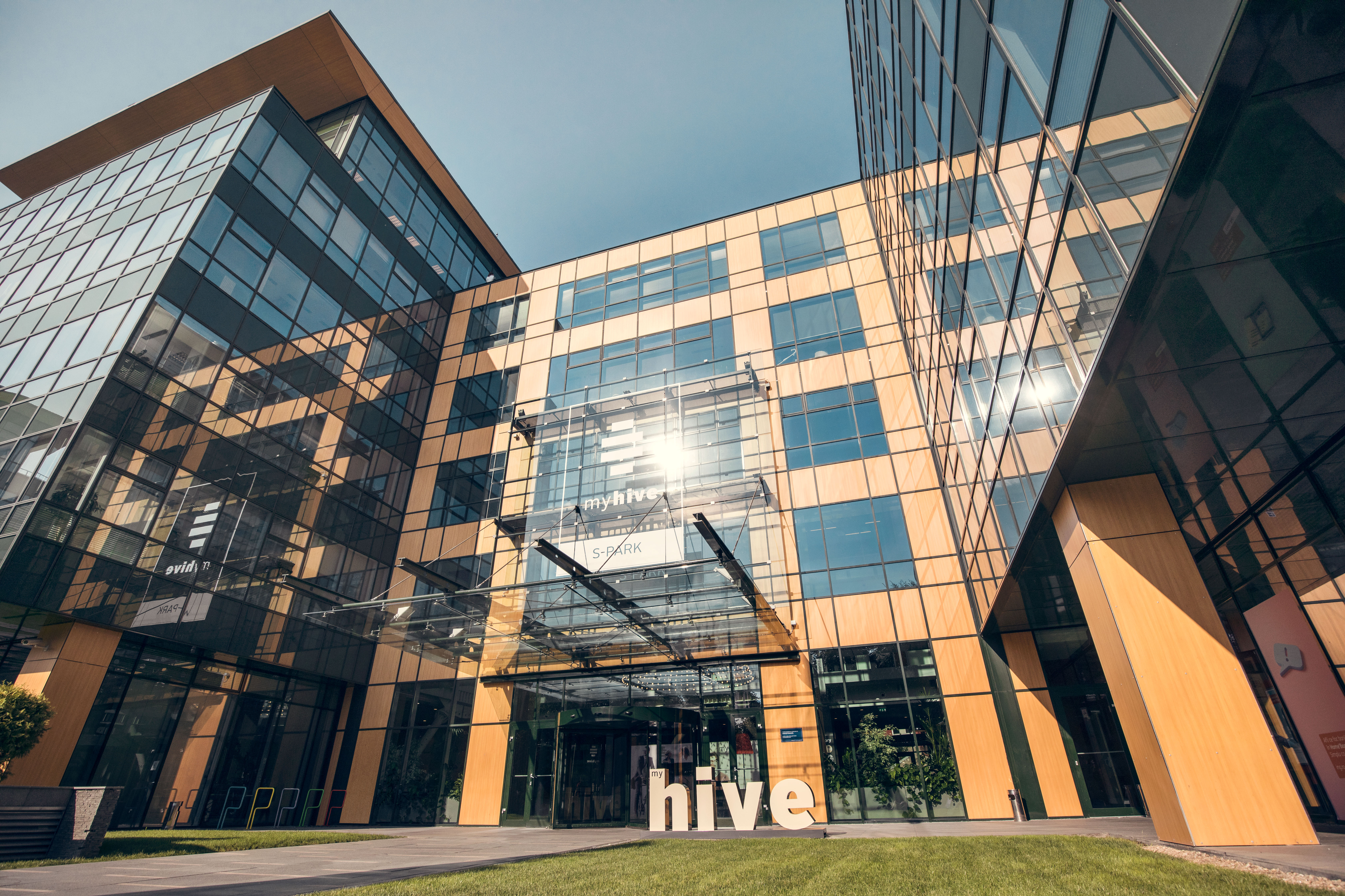 Great Office Building Located In Northern Bucharest Immofinanz Ag